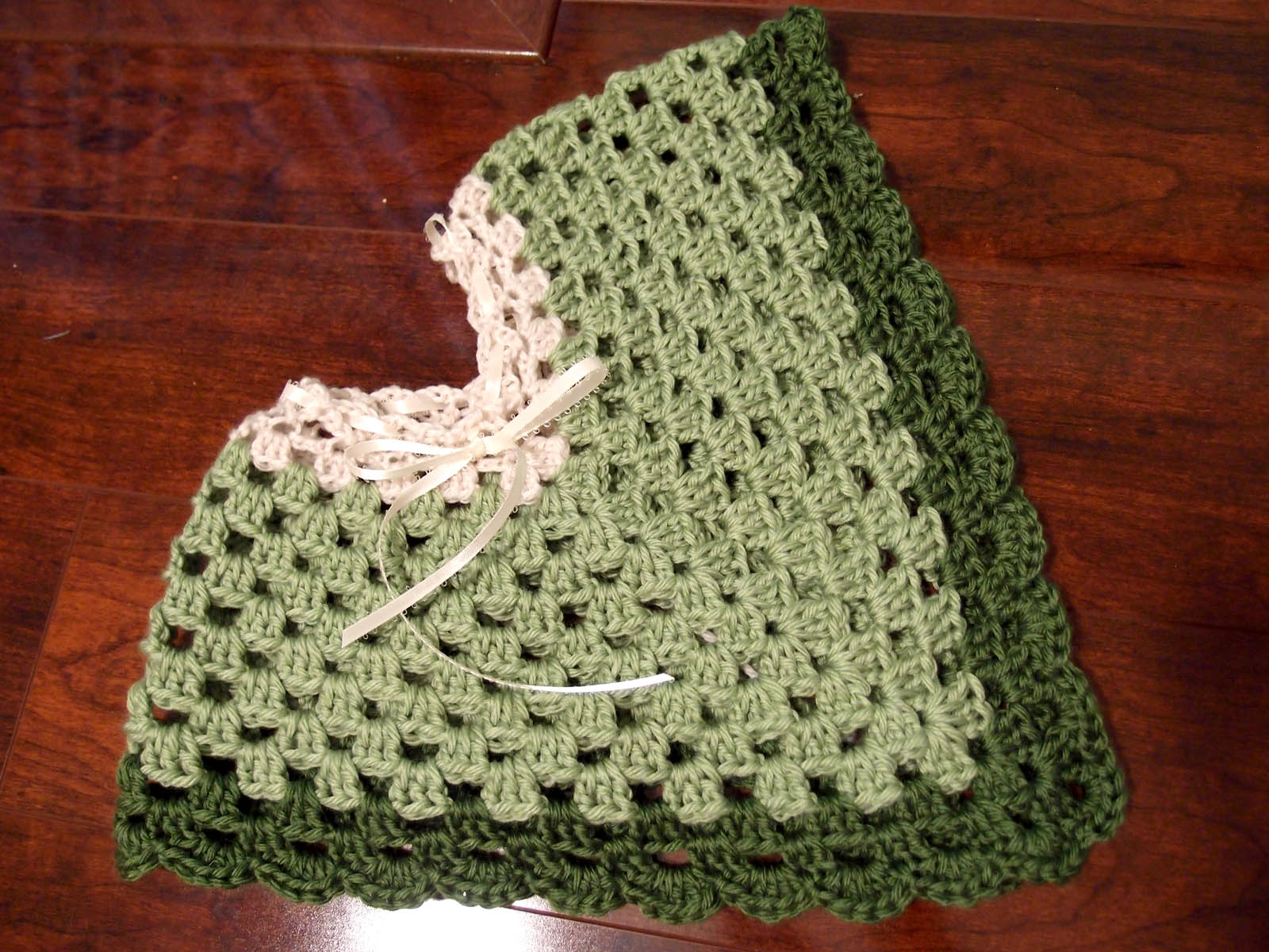 Free Crochet Pattern Child s Hooded Cape : Crochet Pattern Baby Poncho Patterns Gallery